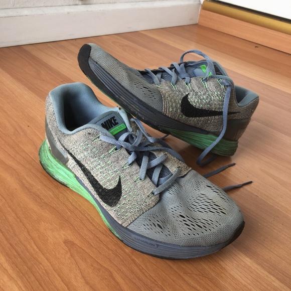 used nike shoes size 9 943160